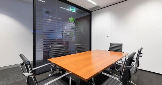 6 Seater Meeting Room in Fortitude Valley (MR2)