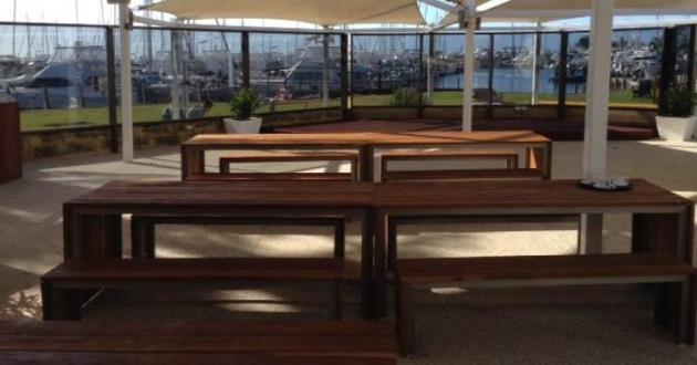 The Sunset Deck - Cafe Style Seating