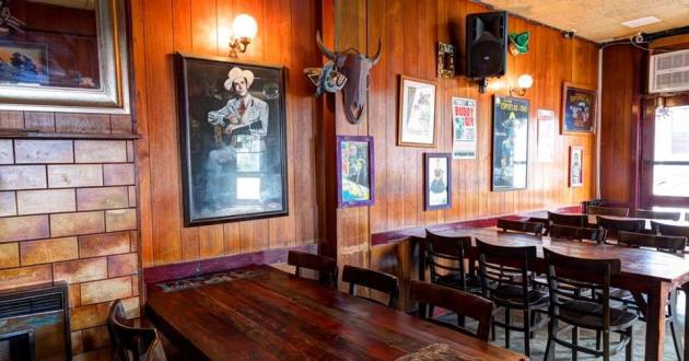 Southern American Food Pub w/ Eclectic Function Spaces