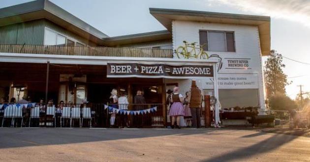 Outdoor Pergola/Beergarden