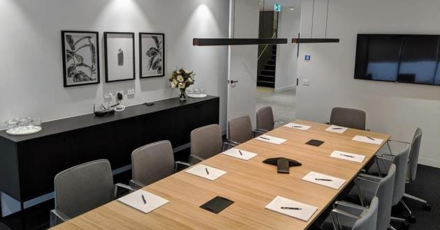 Spacious and Relaxing Boardroom