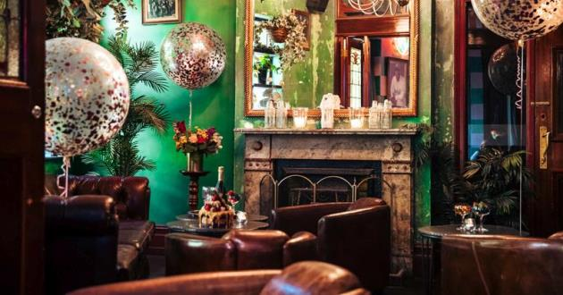 The Warm and Cozy Parlour Space