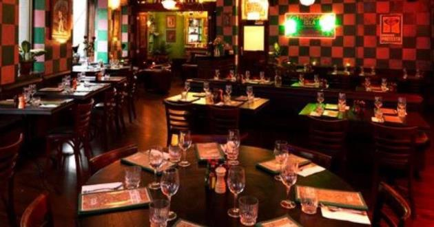 The Diner. Birthdays, Charm