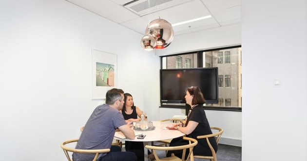 5-6 Person Round Table Meeting Room