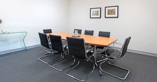 8 Person Meeting Room (Emerald)