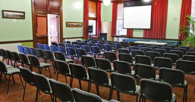 Maiden Theatre