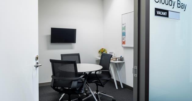 Cloudy Bay   3 Person Meeting Room