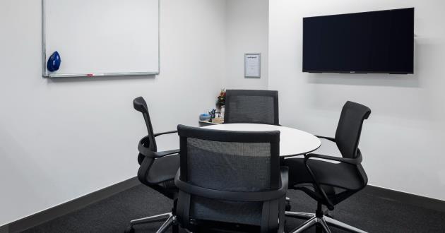 Otago   4 Person Meeting Room