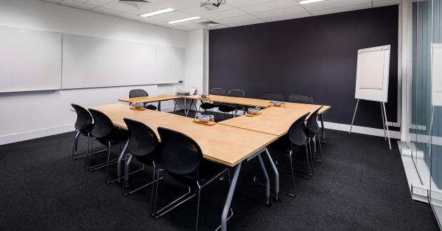 Red Hill   10 Person Training Room