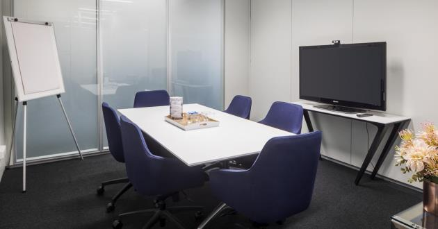 Hunter   6 Person Meeting Room