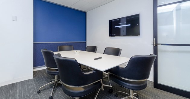 Professional 6 person Meeting Room in Melbourne (L15 M3)