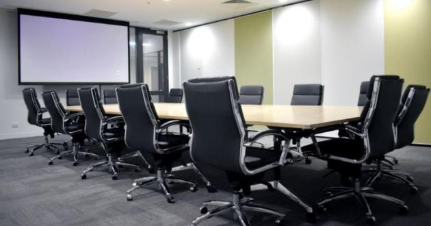 A spacious 12 person boardroom by Central Station