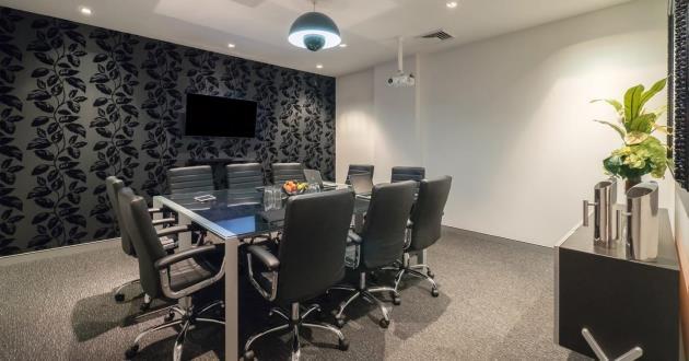 10 person executive boardroom located in Teneriffe business hub