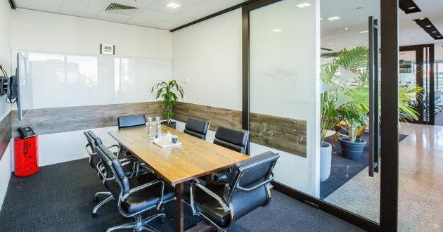 Queensbridge Meeting Room in Melbourne CBD- 6 PAX