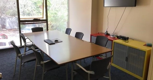 8 Person Meeting Room in Freshwater