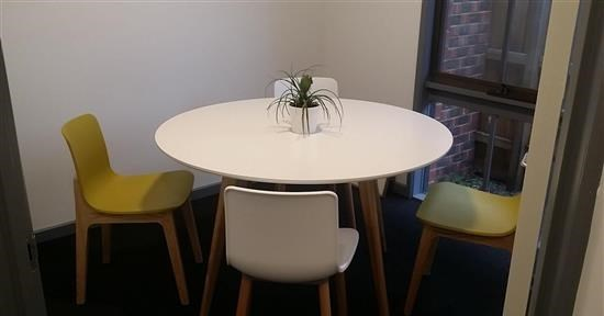 4 Person Meeting Room