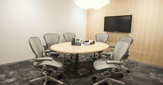 6 Person Meeting Room in Sydney
