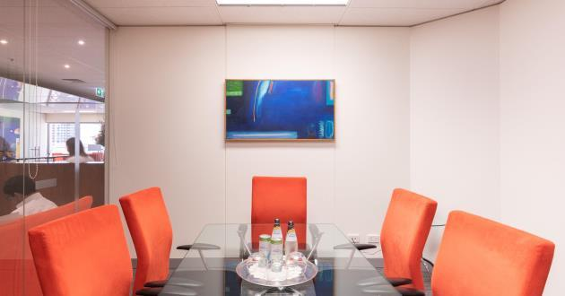 6-Seater Meeting Room