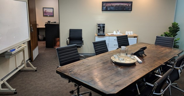 8 person Meeting/Boardroom in quiet & central Spring Hill