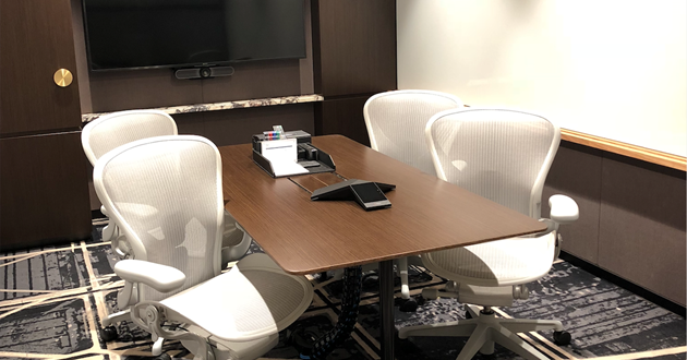 Professional 4 Person Meeting Room