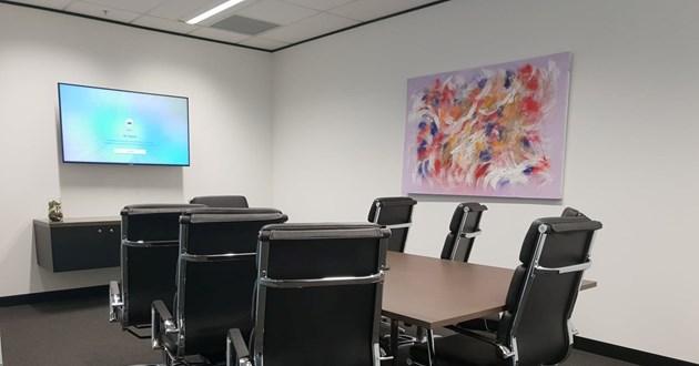 Mars - 8 Person Meeting Room