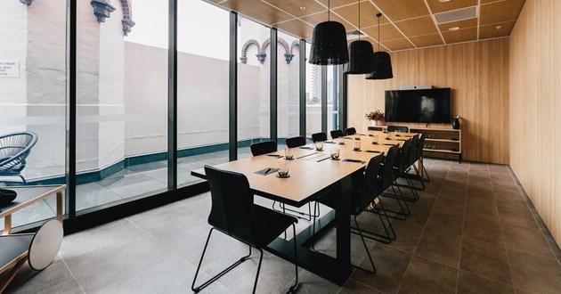 Modern 12 Person Boardroom near Hyde Park