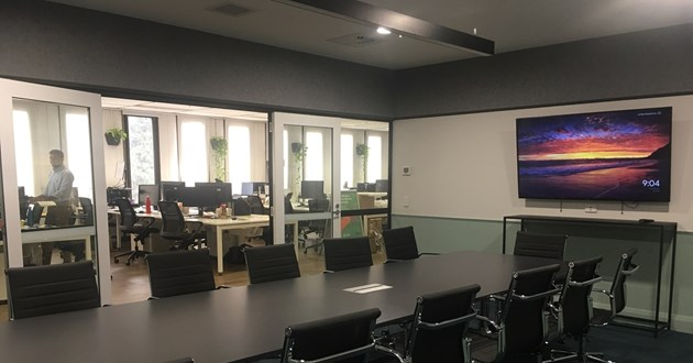 13 Person Light-filled boardroom next to Wynyard Station