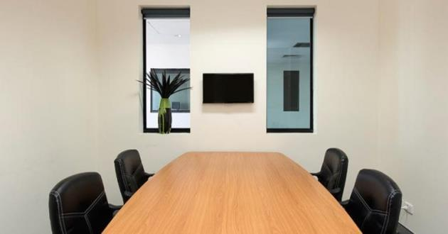 4 Person Meeting Room (Upstairs)