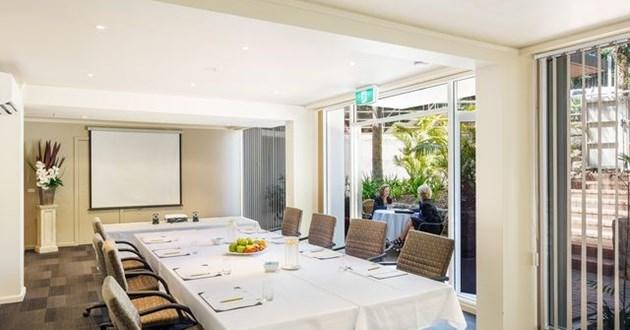 Light-filled Boardroom (Club)