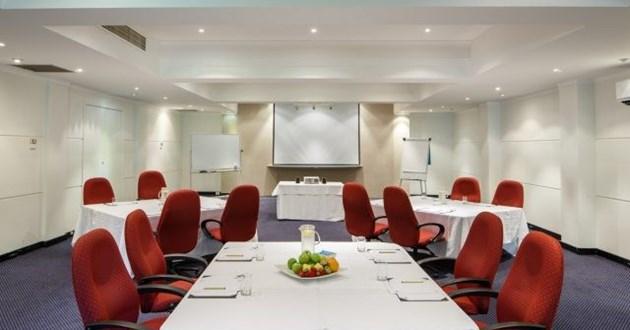 Light-filled Boardroom (Hawkesbury)