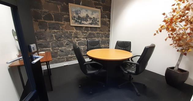 Maple Leaf - 4 Person Meeting Room - Southern Cross