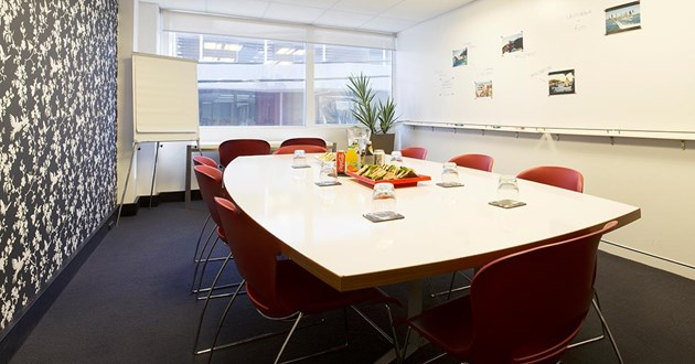 10 Person Boardroom (Red)