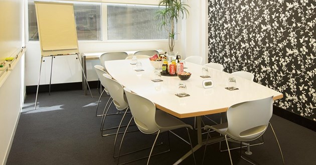 10 Person Meeting Room in Crows Nest (White)