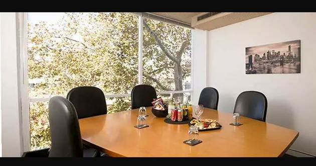 6 Person Light-filled Meeting Room (Grey)
