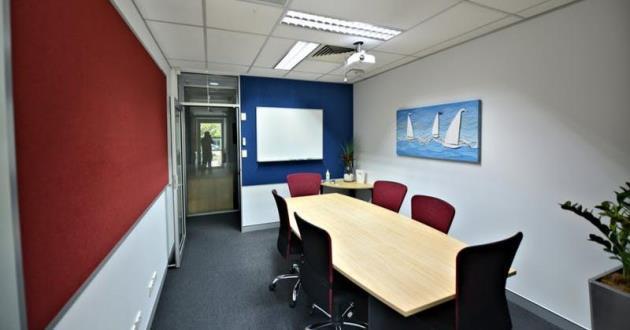 8 Seater Complex Boardroom