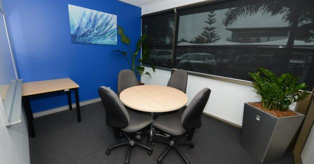 Natural Light Filled 4 Seater Meeting Room