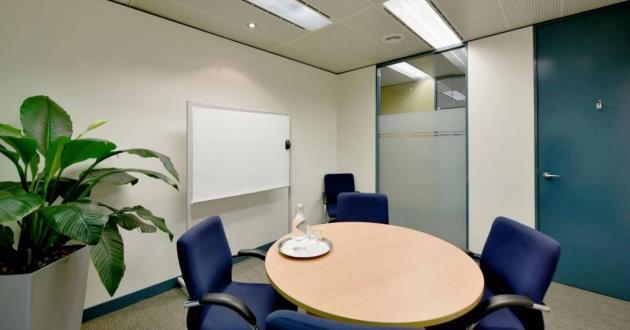 4 Person Boardroom (R)