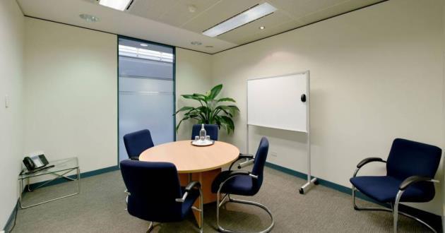 5 Person Boardroom (K)