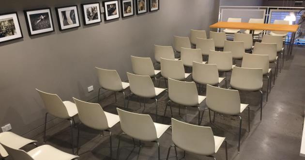 30 Person Mezzanine Seminar Space