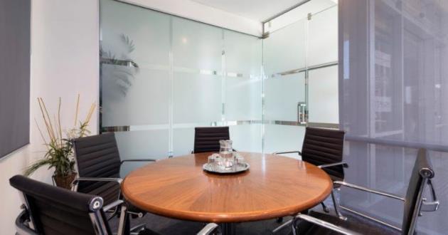 5 Seater Meeting Room in Varsity Lakes