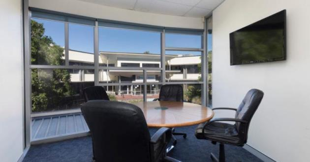 4 Seater Meeting Room in Eight Mile Plains