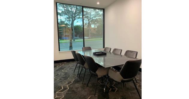 Luna - 8 Person Meeting Room in St. Kilda