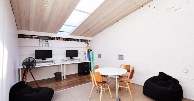 Dedicated Top Floor Creative Office/Meeting Suite