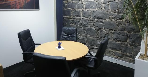 """50% OFF """"GET TO KNOW US"""" SPECIAL New York Meeting Room, 4 People near Southern Cross Station"""