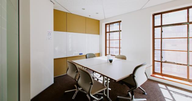 CURRENTLY CLOSED - 6 Person Meeting Room (S2)