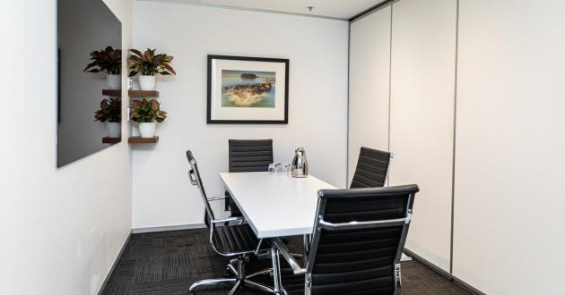4 Person Meeting Room (Level 8)