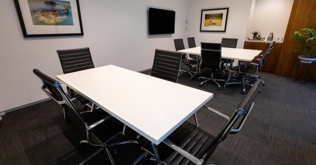 10 Person Boardroom (Level 8)