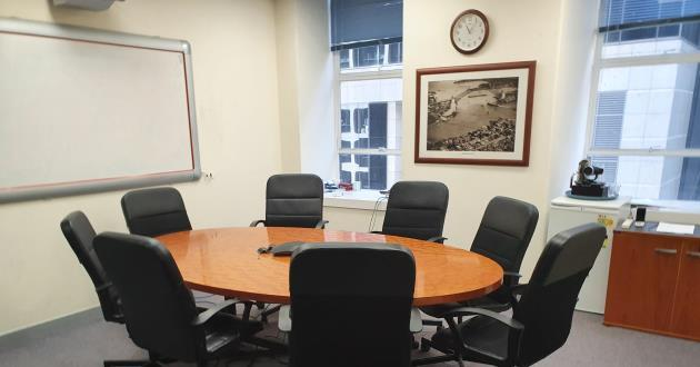 8 Person Meeting Room near Town Hall