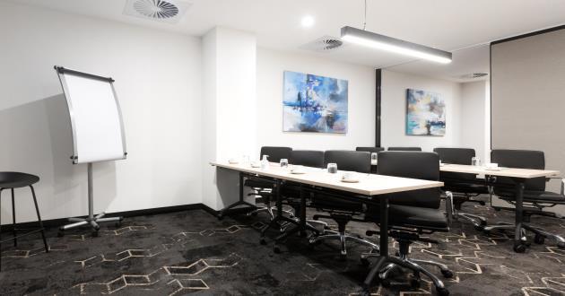 10 Person Meeting Room (Hopetoun)