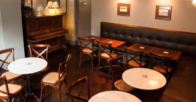 Royal Albert Hotel Lounge
